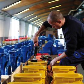 Dansk Miljøteknologi: Undersøg styrkeposition på miljøteknologi