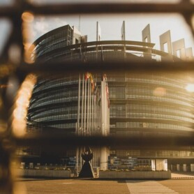 Dansk Miljøteknologi i Altinget: Underimplementering af EU-lovgivning sænker grøn innovation