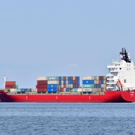 Artikel i Politiken om kontrollen med skibes svovludledning